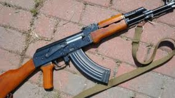 Rifle snatched from J&K Bank guard in south Kashmir's Tral